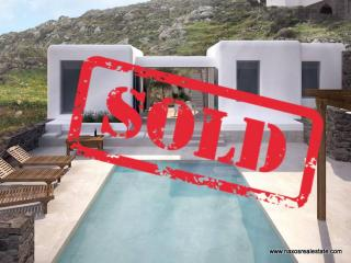 (For Sale) Residential Modern Detached house || Plaka Naxos / Cyclades, 100 - 110 sq.m., 360.000€